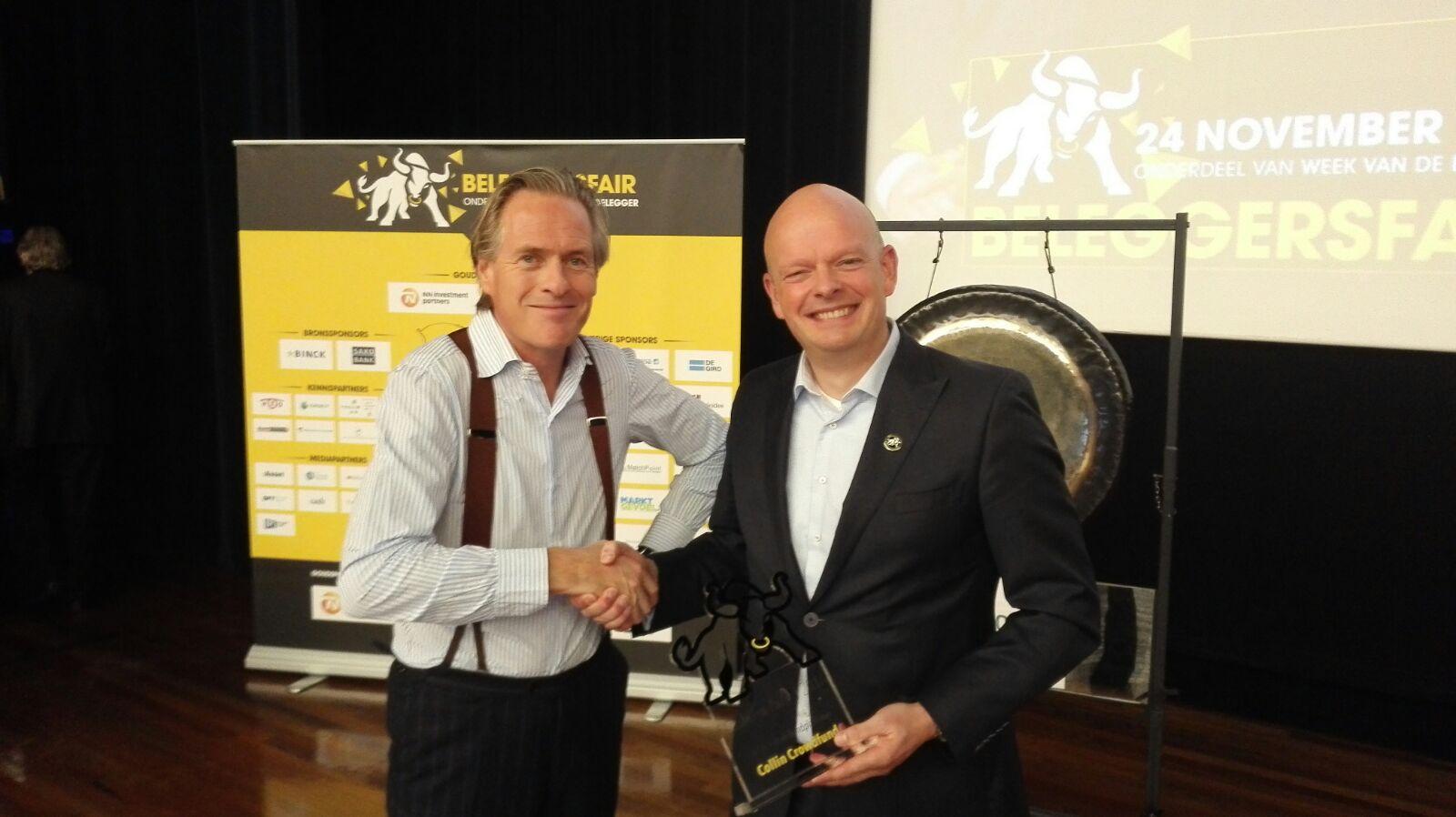 Jort Kelder reikt Cashcow award uit aan Jan-Willem Onink